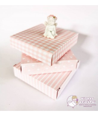 Rožinė dovanų dėžutė