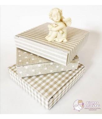 Rusva dovanų dėžutė