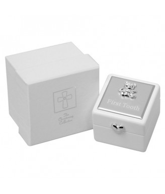 Balta dėžutė pirmam dantukui