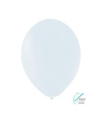 Baltas pastelinis balionas